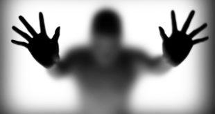 شخص يعاني من مرض متلازمة الجثة المتحركة